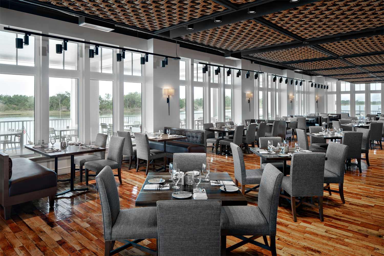34° North Restaurant dining area